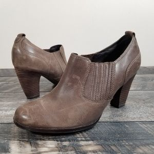 Clarks Artisan Womans 9 Leather Heeled Comfort